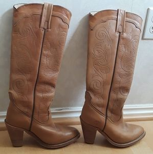 LEATHER FRYE boots knee high fully lined Size 7